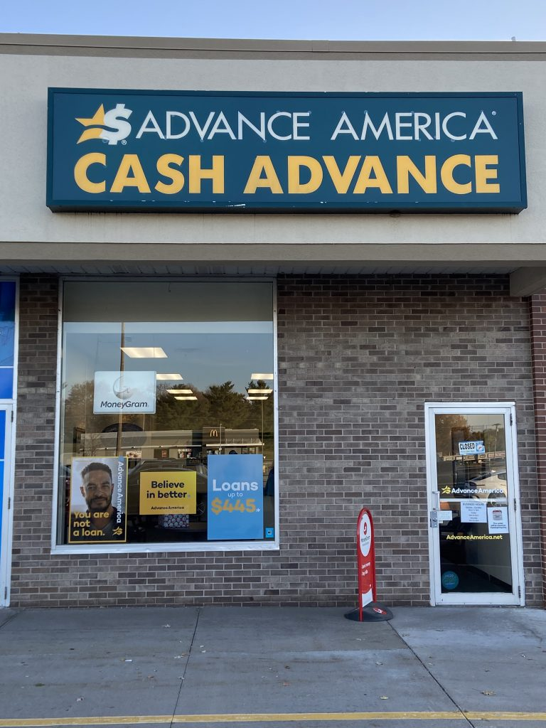 Cabinet Storefront Signs for Cash America in Davenport, IA